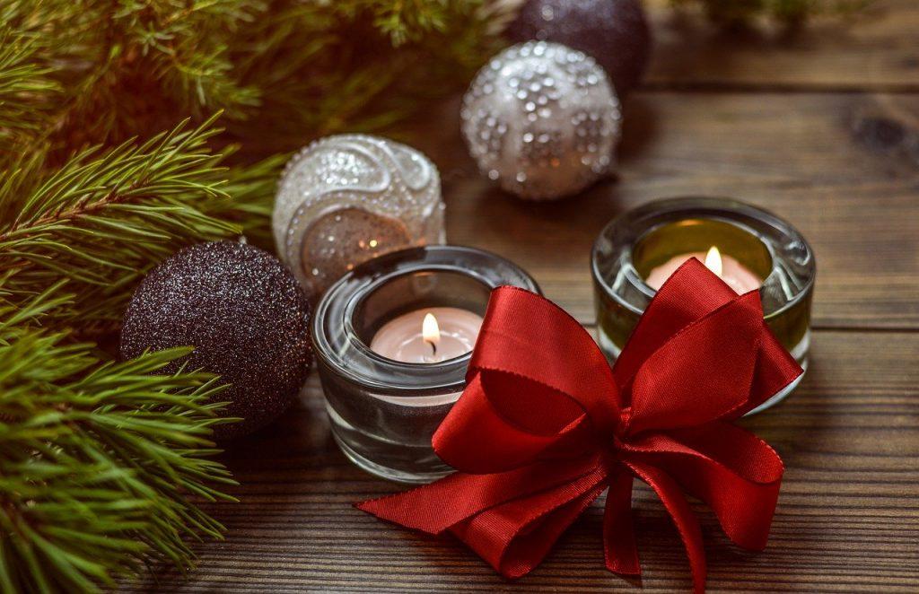 Balení vánočních ozdob