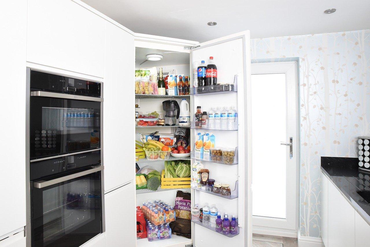 fridge-3475996_1280